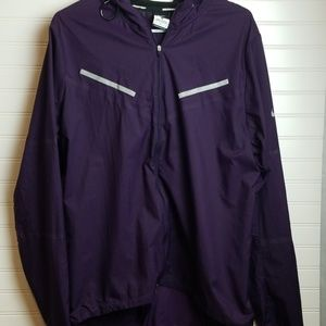 Super cute Nike running windbreaker large